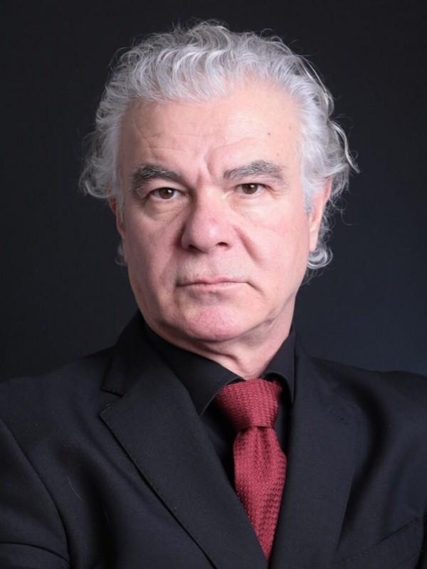 Tanfer Yaşar German